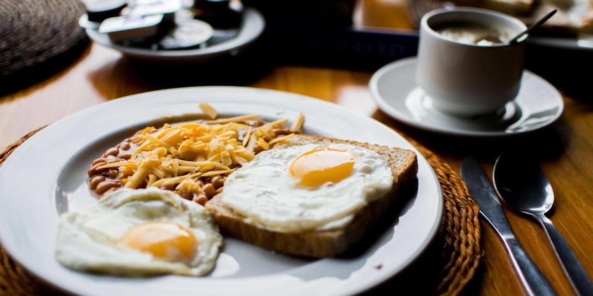 jajka, fasola i chleb jako źródła folianów