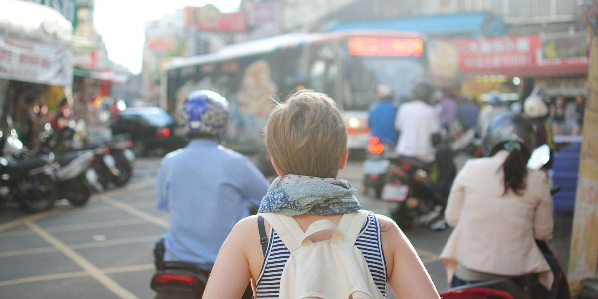 probiotyki pomagają zapobiegać biegunce podróżnych