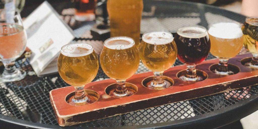 czy alkohol negatywnie wpływa na przyrost mięśni, i czy można pić piwo, chodząc na siłownię?