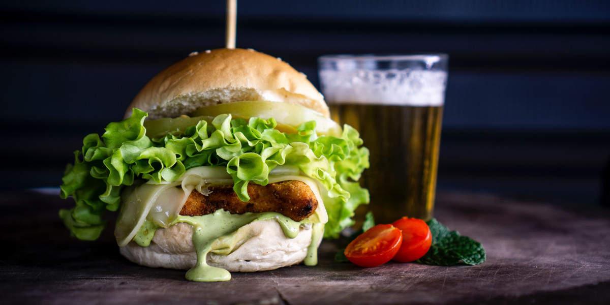 przybierzesz na wadze więcej od hamburgerów zjedzonych w trakcie picia, niż od samego piwa