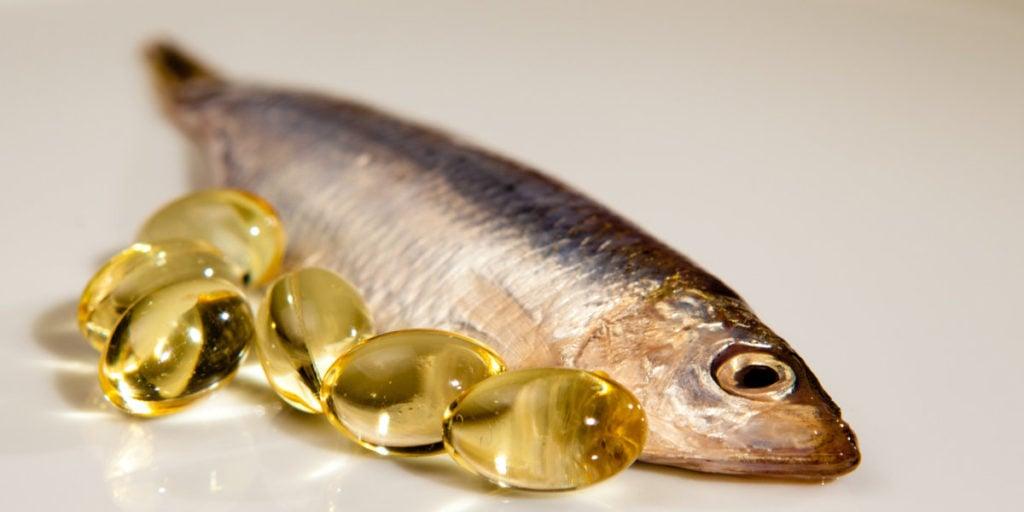 olej rybny może wspomagać utratę tkanki tłuszczowej